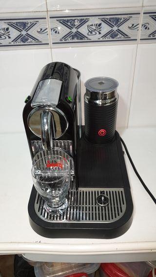 Cafetera Nespresso Magimix