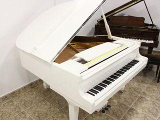 Piano cola blanco nuevo a estrenar