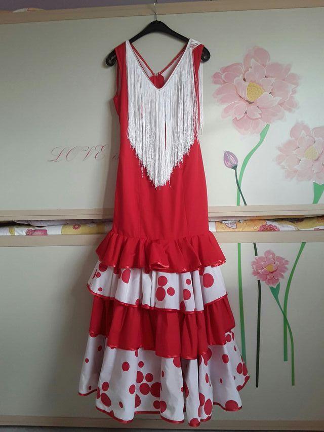 33536a8f5 Alquiler traje flamenca de segunda mano en Sevilla en WALLAPOP