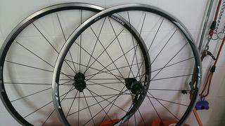 Ruedas biciclera carretera Shimano RS 010
