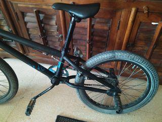 Bicicleta Bmx niño.