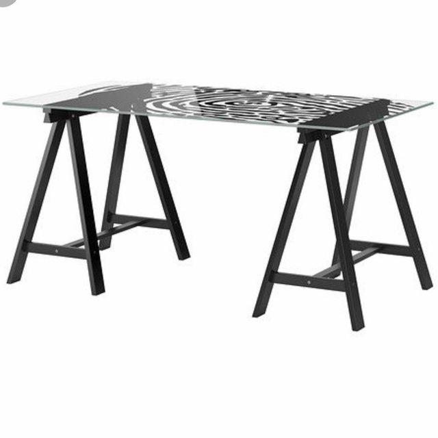 Tableros De Escritorio Ikea.Tablero Glasholm Y Caballetes Ikea Mesa Escritorio De Segunda Mano