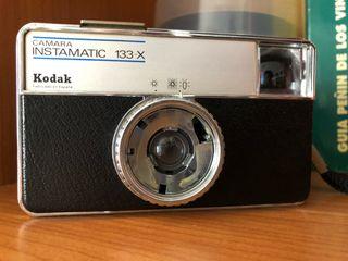 Cámara Instamatic X-133 Kodak