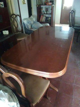 mesa con 7 sillas