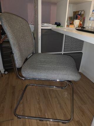 Comfy retro study chair