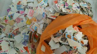 1 kilo sellos SIN papel +14000 sellos