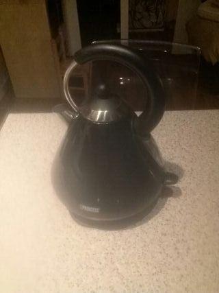 Calentador Agua Eléctrico. (Kettle)