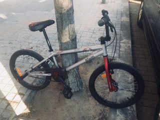 Vendo bici tipo BMX - Btwin