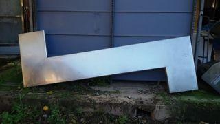 Barra bar en acero inox 120 eur