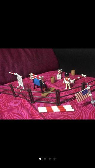 Playmobil cuadra caballos con remolque de caballos
