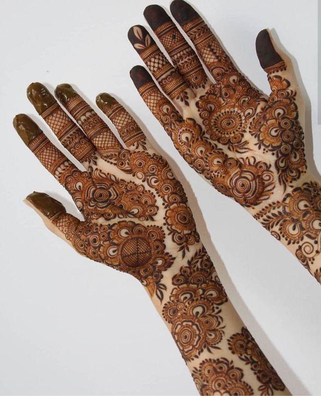 Zainab henna mehndi artist