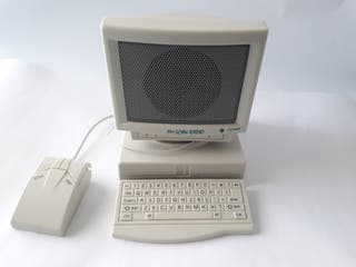 i385 Radio con forma de ordenador PC