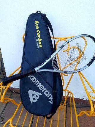Raqueta de tenis , no usada.