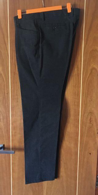 1bfd82d07e Pantalones de pinzas de segunda mano en la provincia de León en WALLAPOP