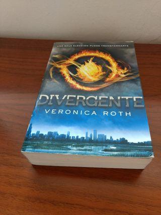 Literatura Juvenil: Divergente 1. (VERONICA ROTH)