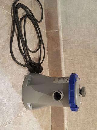 Piscina hinchable de segunda mano en wallapop for Depuradora para piscina hinchable