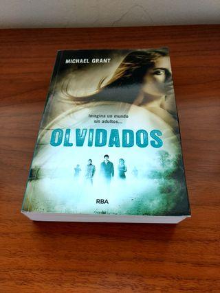 Novela juvenil: Olvidados. Michael Grant