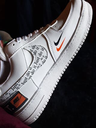 NIKE AIR FORCE 1 Just do it TALLA 41