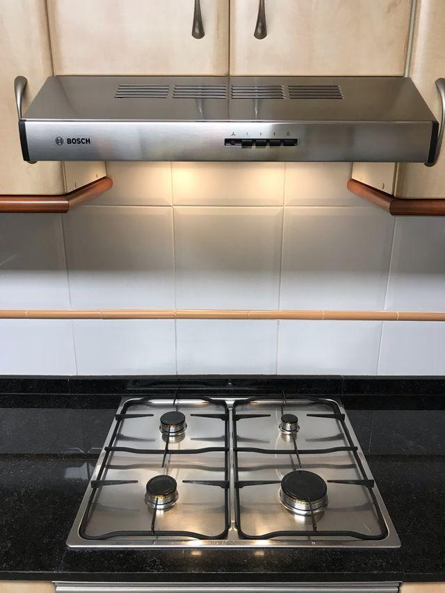 Conjunto horno encimera y campana extractor