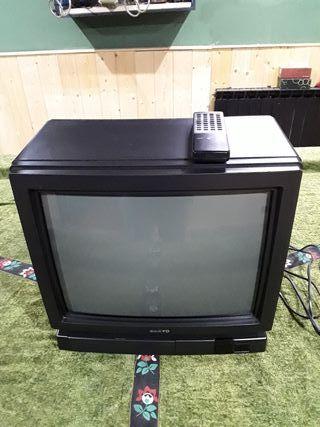TV Sanyo de 17 pulgadas