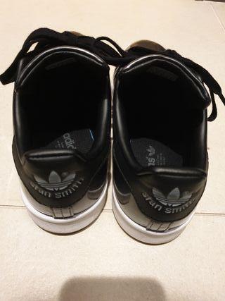 Zapatillas adidas 38 1/2 color gris