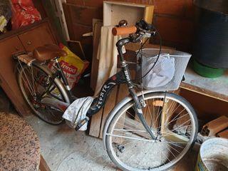 bicicleta mujer con cesta