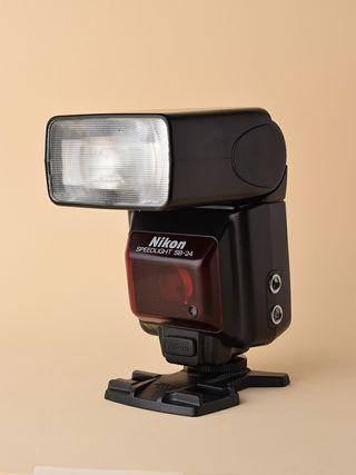 Nikon SB-24 Flash Speedlight