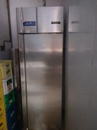 Nevera y Congelador Vertical