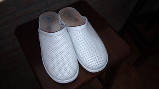 Zapatos hospitalarios
