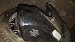 SUZUKI GSX-R 750c.c. del 2005-08.mas piezas llamar
