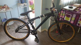 """Bicicleta de montaña """"mountain bike"""""""