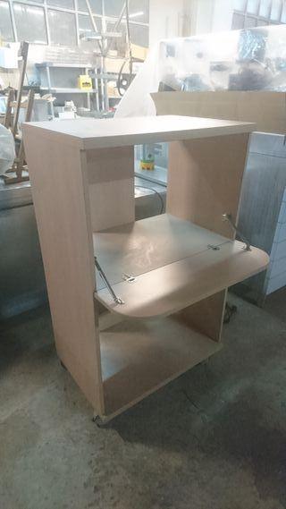 Mesa escritorio con ruedas de madera a estrenar