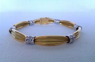18ct Gold & Diamond Ladies Bracelet Circa 2008