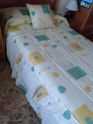 Colcha y cojin cama 105.