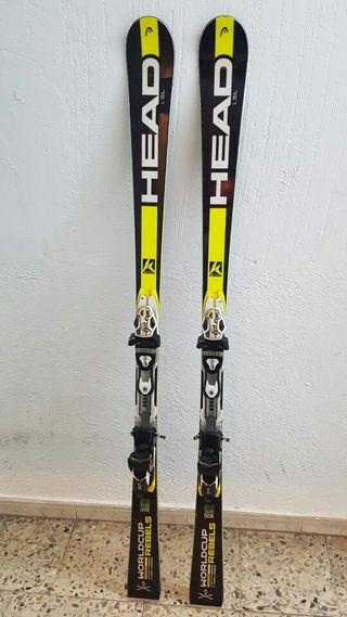 Esquís + botas y bastones de regalo