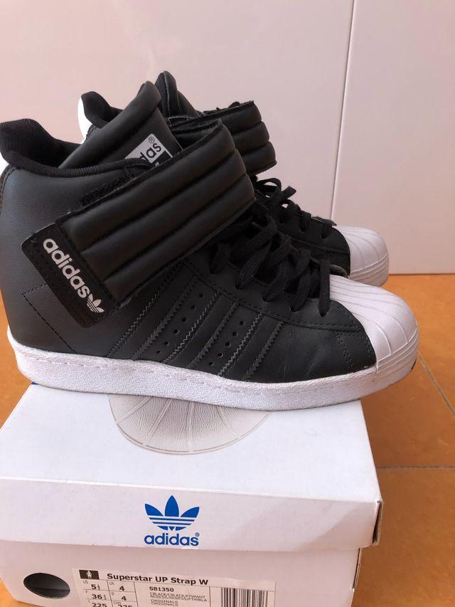 a8b1431b3 Zapatillas Adidas superstar bota de segunda mano por 50 € en ...