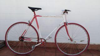 bicicleta de carretas antigua