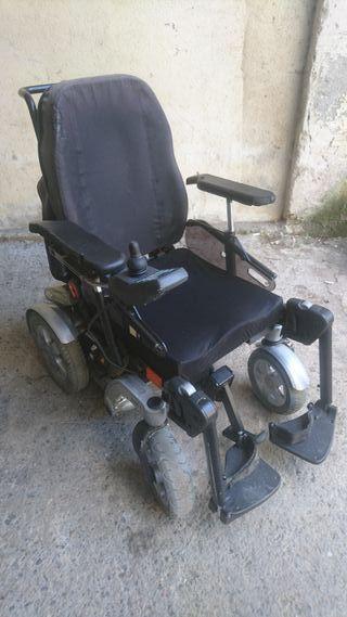 Silla de ruedas INVACARE modelo STORM 4