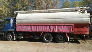 Camión Iveco 350 cursor para transporte de pienso