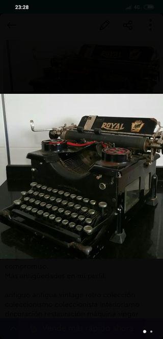 Maquina de escribir antigua royal