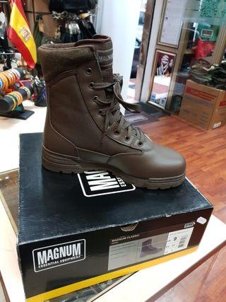 botas magnum color marrón