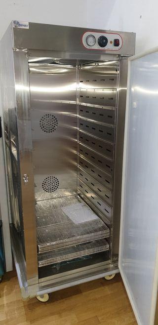 armario caliente