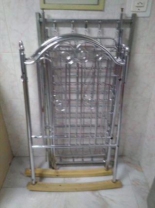 Cuna de aluminio con balancín