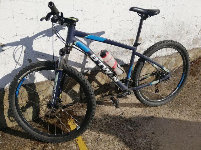 Bicicleta b-twin.