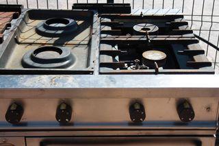 cocina industrial 8 fuegos y 2 hornos