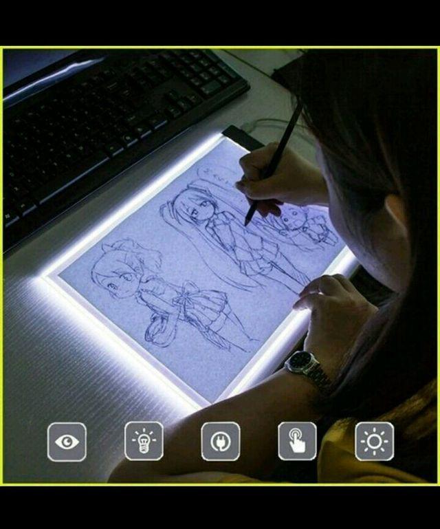 Tableta grafica A4 digital con luz.