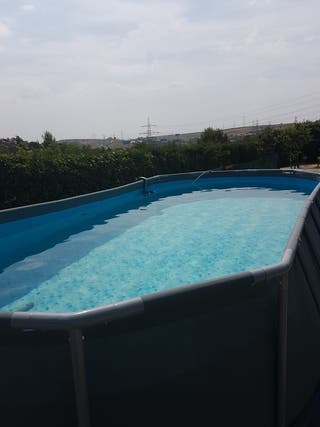 Se vende piscina desmontable de segunda mano por 400 en for Se vende piscina desmontable