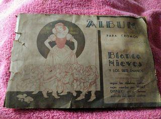 Album muy antiguo, cromos Blancanieves