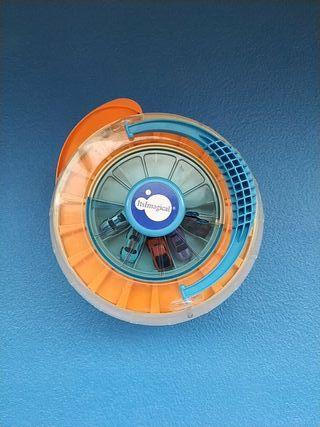juguete garaje de minicoches con rampa