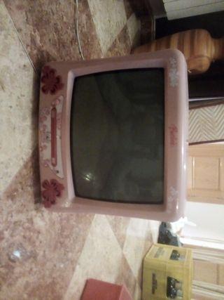 televisión y cuadros